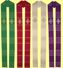 handgewebte Stola mit Kreuzen und Lurexkassetten. Material 55% Trevira / 45% Schurwolle. Art.-Nr. 053-6
