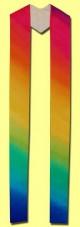 handgemalte Stola auf reiner Seide in den Farben des Regenbogens. Art.-Nr. 049-50-0